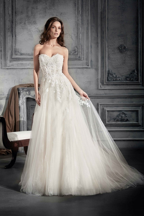 754 Wedding                                          dress by Demetrios Bride