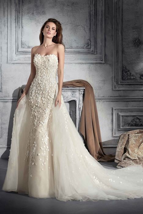 762 Wedding                                          dress by Demetrios Bride