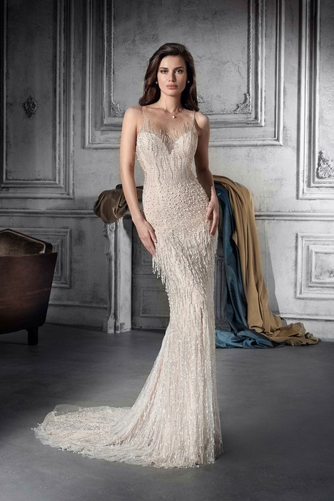 802 gown from the 2018 Demetrios Bride collection, as seen on dressfinder.ca