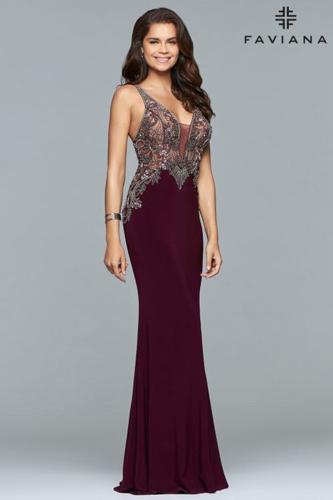 S10002 gown from the 2018 Faviana Prom collection, as seen on dressfinder.ca