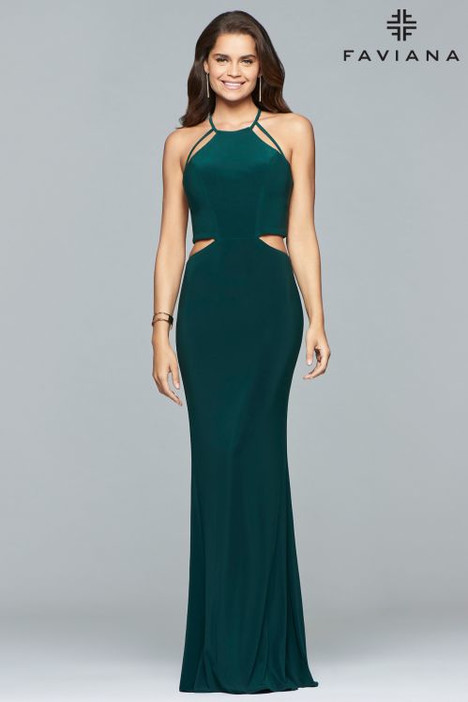 10014 Prom                                             dress by Faviana Prom