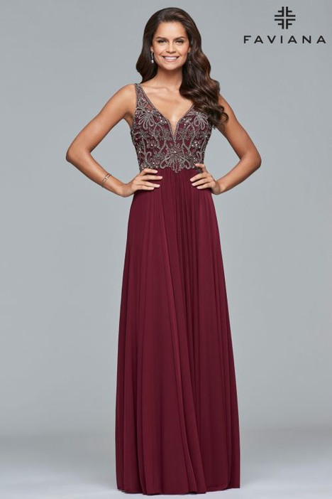 10017 Prom                                             dress by Faviana Prom