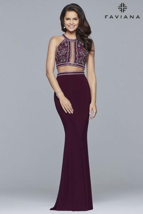 10019 Prom                                             dress by Faviana Prom