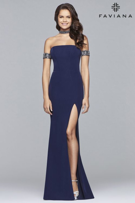 10037 Prom                                             dress by Faviana Prom