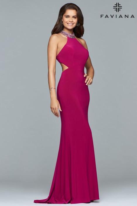 10038 Prom dress by Faviana Prom