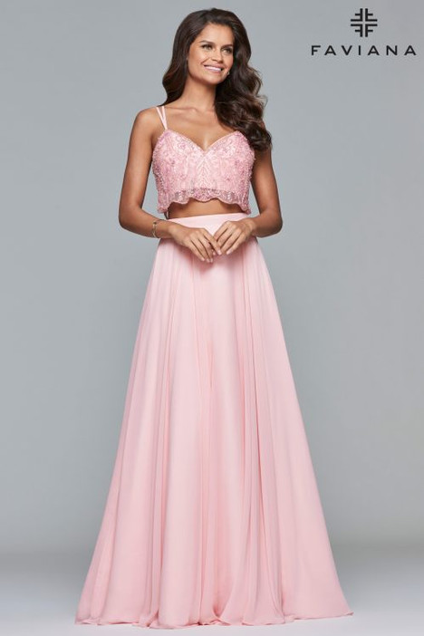 10042 Prom                                             dress by Faviana Prom