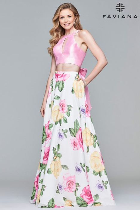 10047 Prom                                             dress by Faviana Prom