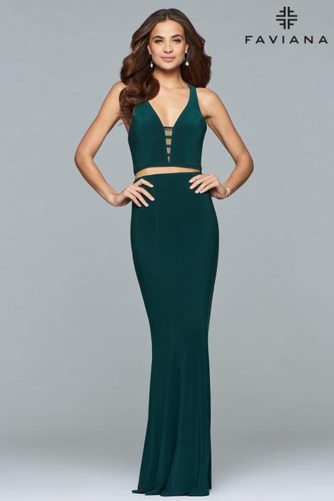 10056 Prom                                             dress by Faviana Prom