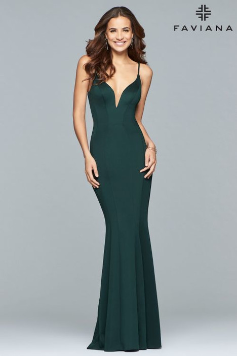 10071 Prom                                             dress by Faviana Prom