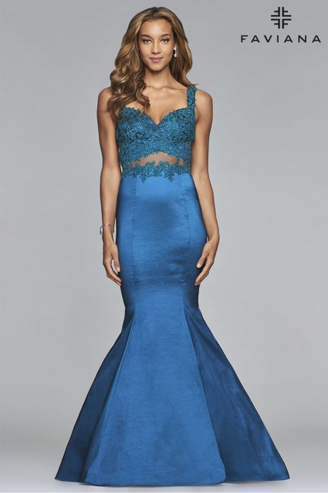 10081 Prom                                             dress by Faviana Prom
