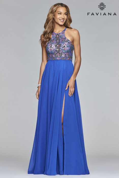 10086 gown from the 2018 Faviana Prom collection, as seen on dressfinder.ca