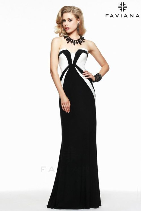 7572 Prom                                             dress by Faviana Prom