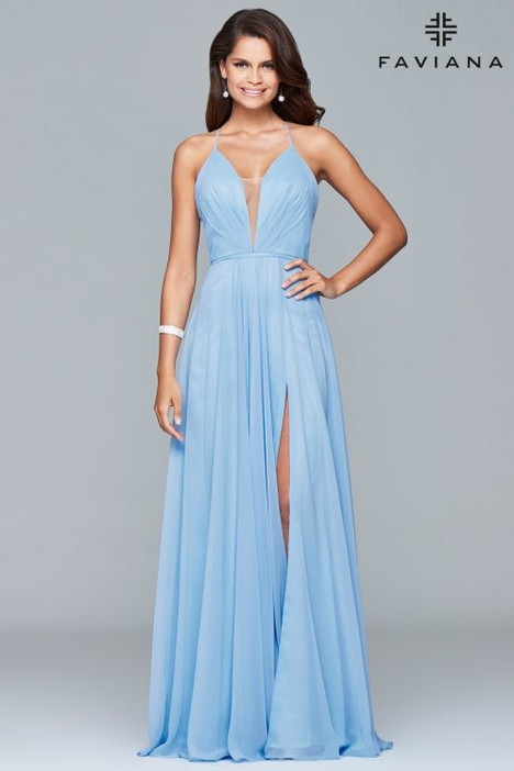 7747 gown from the 2018 Faviana Prom collection, as seen on dressfinder.ca