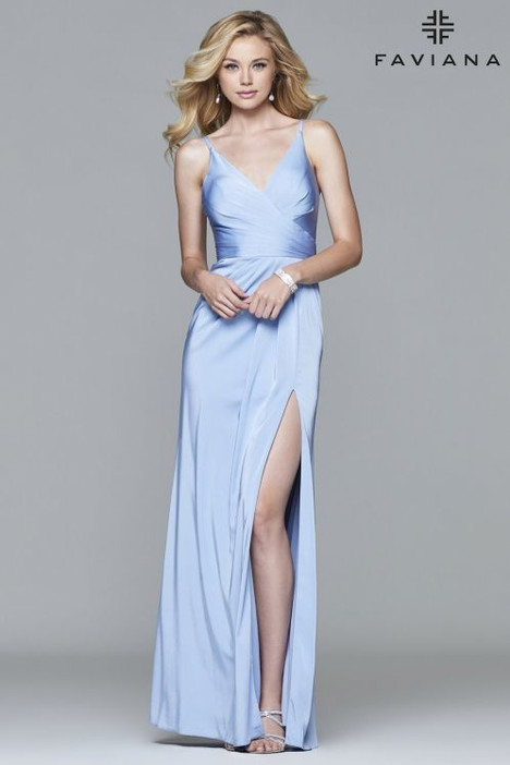 7755 Prom                                             dress by Faviana Prom