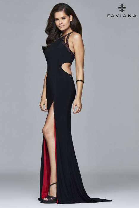 7929 Prom                                             dress by Faviana Prom
