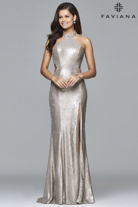 8008 gown from the 2018 Faviana Prom collection, as seen on dressfinder.ca