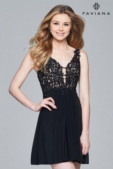 8070 Prom                                             dress by Faviana Prom