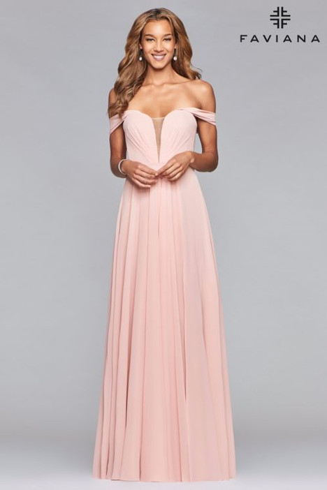 8088 gown from the 2018 Faviana Prom collection, as seen on dressfinder.ca