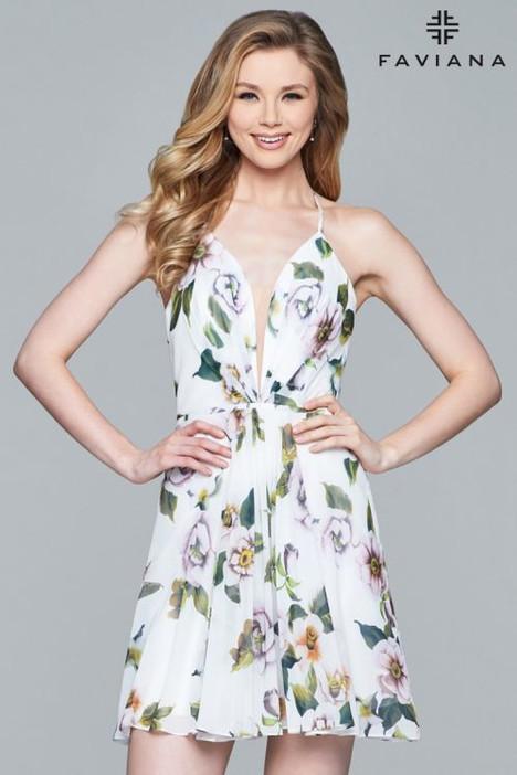 8093 Prom                                             dress by Faviana Prom