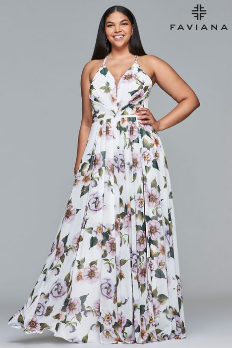 9431 gown from the 2018 Faviana Prom collection, as seen on dressfinder.ca