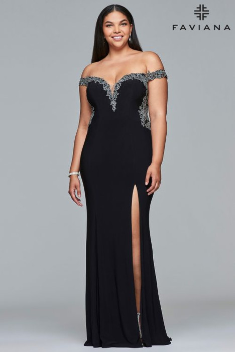 9437 gown from the 2018 Faviana Prom collection, as seen on dressfinder.ca