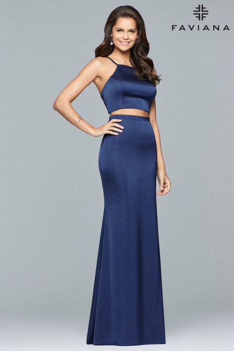 S10013 gown from the 2018 Faviana Prom collection, as seen on dressfinder.ca