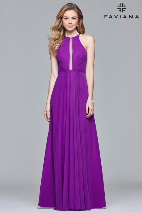 S10025 gown from the 2018 Faviana Prom collection, as seen on dressfinder.ca