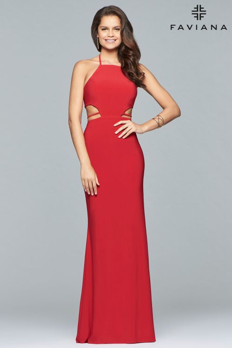 S10058 gown from the 2018 Faviana Prom collection, as seen on dressfinder.ca