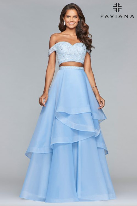 S10062 gown from the 2018 Faviana Prom collection, as seen on dressfinder.ca