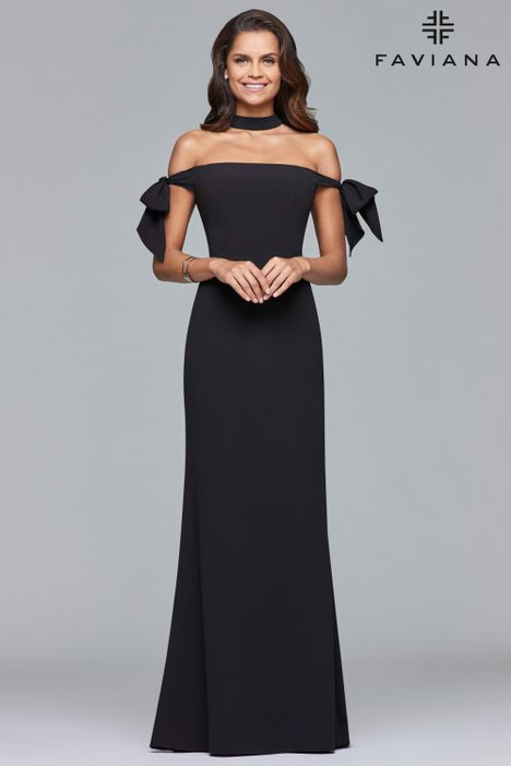 S10075 gown from the 2018 Faviana Prom collection, as seen on dressfinder.ca
