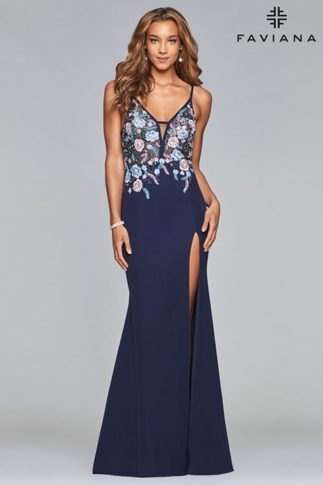S10088 gown from the 2018 Faviana Prom collection, as seen on dressfinder.ca