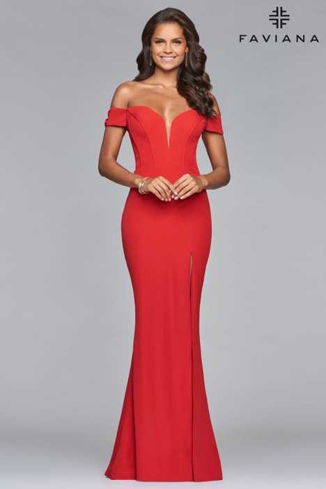 S10093 gown from the 2018 Faviana Prom collection, as seen on dressfinder.ca