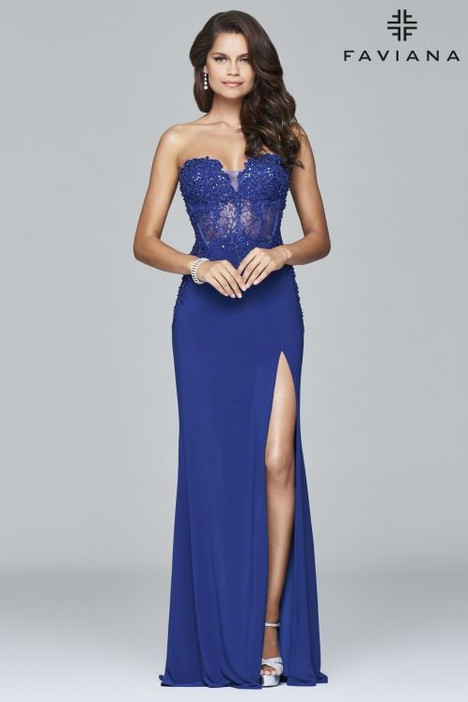 S7907 gown from the 2018 Faviana Prom collection, as seen on dressfinder.ca