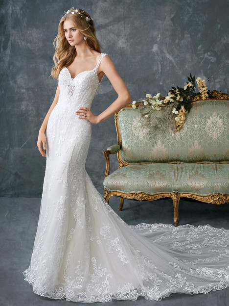 1770 gown from the 2018 Kenneth Winston collection, as seen on dressfinder.ca