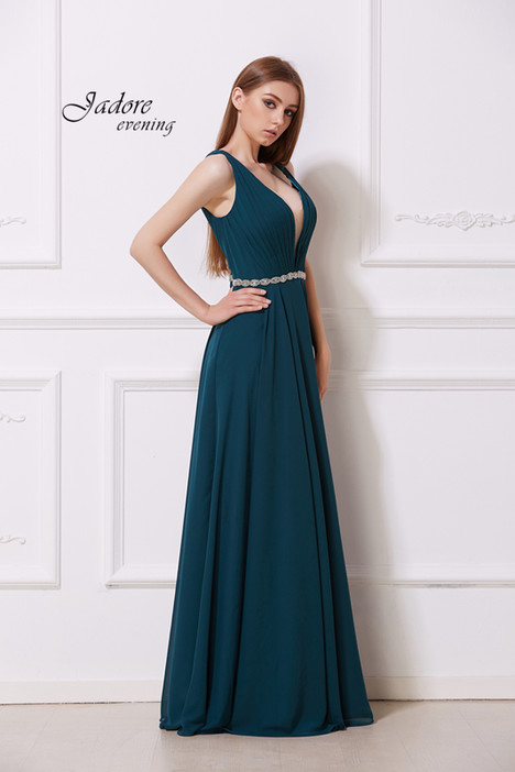 J12041 (Hunter) gown from the 2018 Jadore Evening collection, as seen on dressfinder.ca