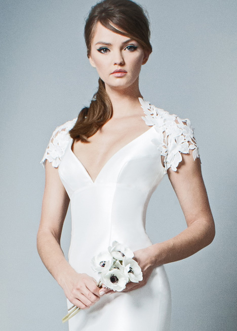 RB002 Wedding                                          dress by Romona