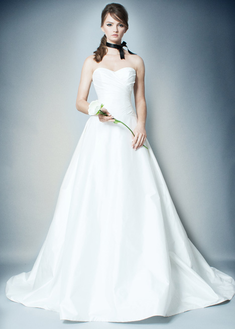 RB010 Wedding                                          dress by Romona