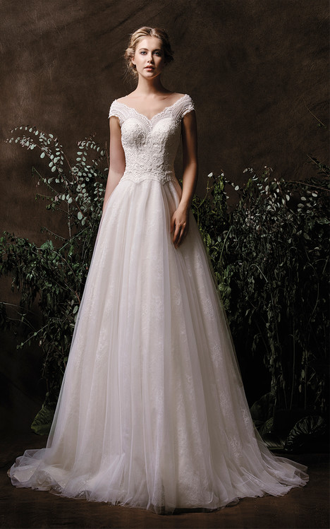 Aria Wedding                                          dress by Chic Nostalgia