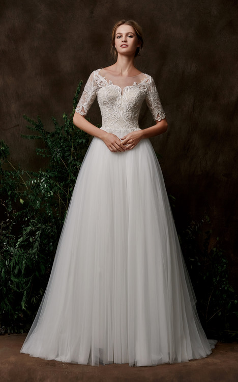 Aspen Wedding                                          dress by Chic Nostalgia