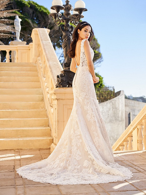 Kiara (Back) Wedding                                          dress by Val Stefani