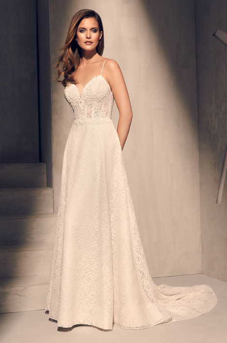 2201 Wedding                                          dress by Mikaella