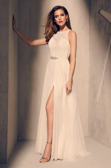 2202 Wedding                                          dress by Mikaella