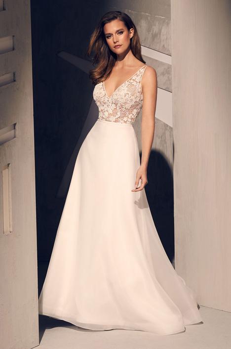2210 Wedding                                          dress by Mikaella