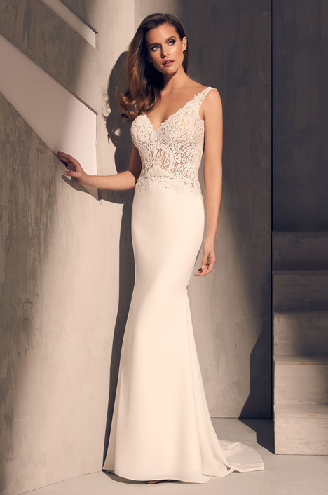 2211 Wedding                                          dress by Mikaella