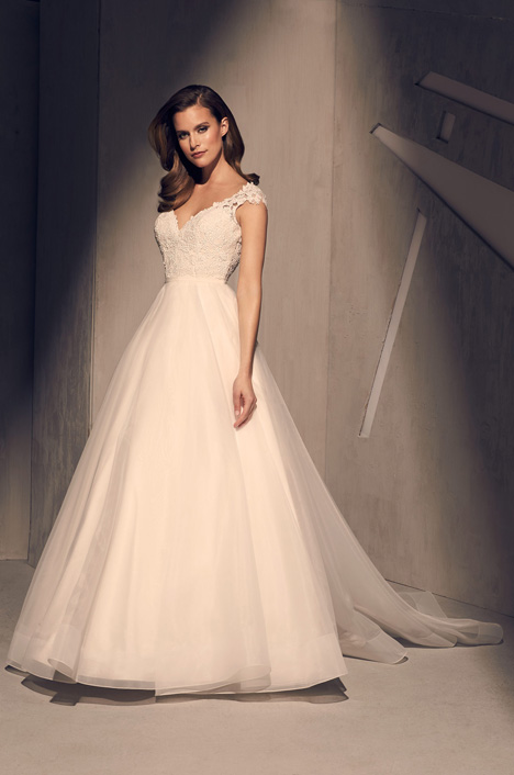 2212 Wedding                                          dress by Mikaella