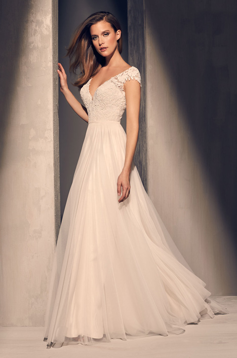 2216 Wedding                                          dress by Mikaella