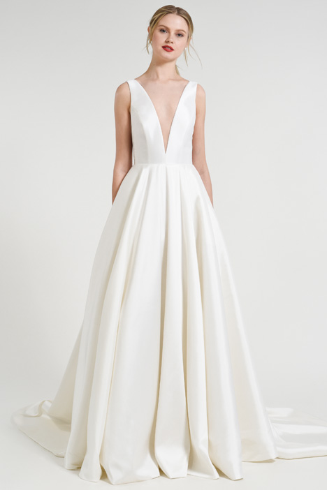 Spencer gown from the 2018 Jenny by Jenny Yoo collection, as seen on dressfinder.ca