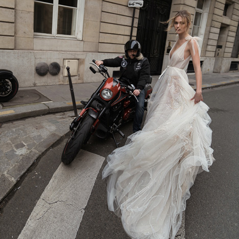 07 (Side) Wedding                                          dress by Inbal Dror