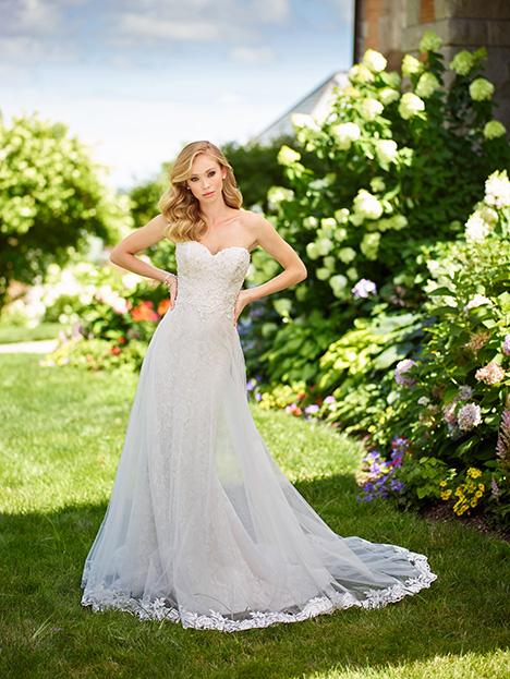 118154 Wedding                                          dress by Enchanting by Mon Cheri