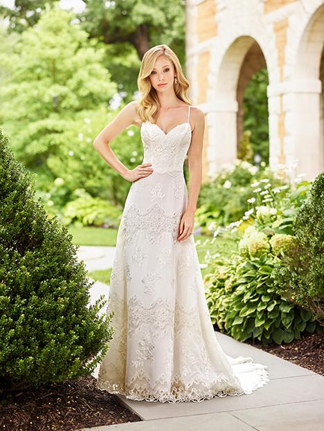 118155 Wedding                                          dress by Enchanting by Mon Cheri